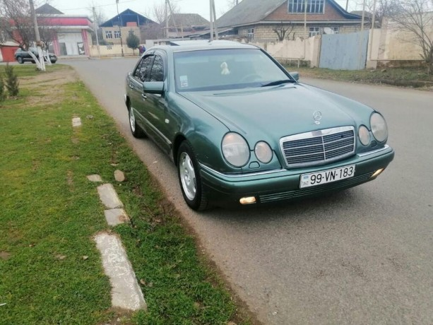 mercedes-benz-e-230-23-l-1995-big-0